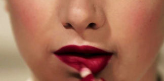 Apply Lipstick Perfectly