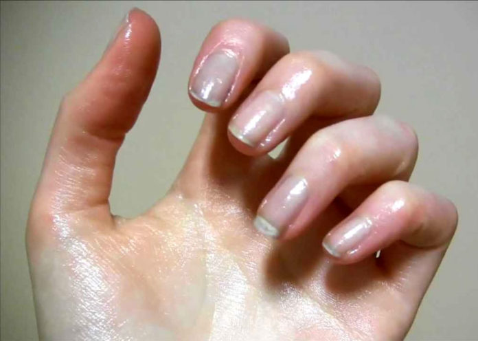 Protect Your Nails From Water