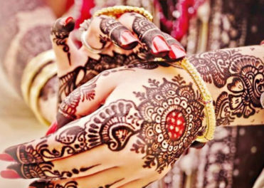 Make A Perfect Night With These Amazing Mehndi Party Ideas