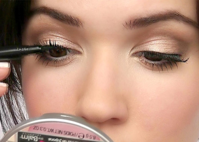 Apply false lashes to real lashes