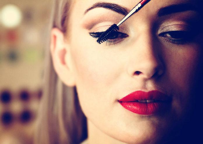 Use mascara to blend lashes