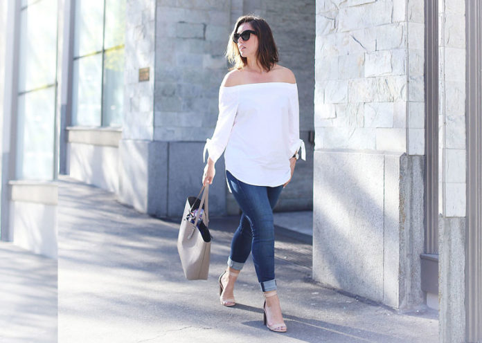 Baggy Off-Shoulder Top With Jeans