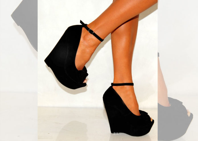 Unexpected peep-toe wedges