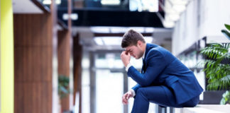 Damaging Behaviors of Unsuccessful People