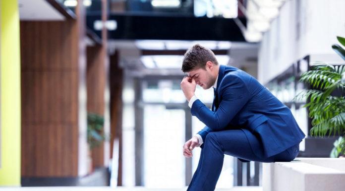 Damaging Behaviors of Unsuccessful People