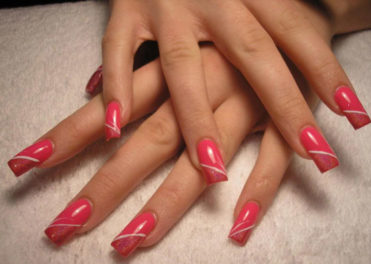 Remove Your Gel Nail Polish Perfectly At Home