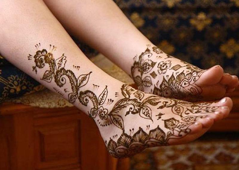 Mehndi pattern for your leg