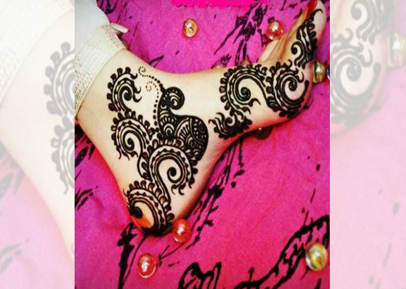 traditional Mehndi design