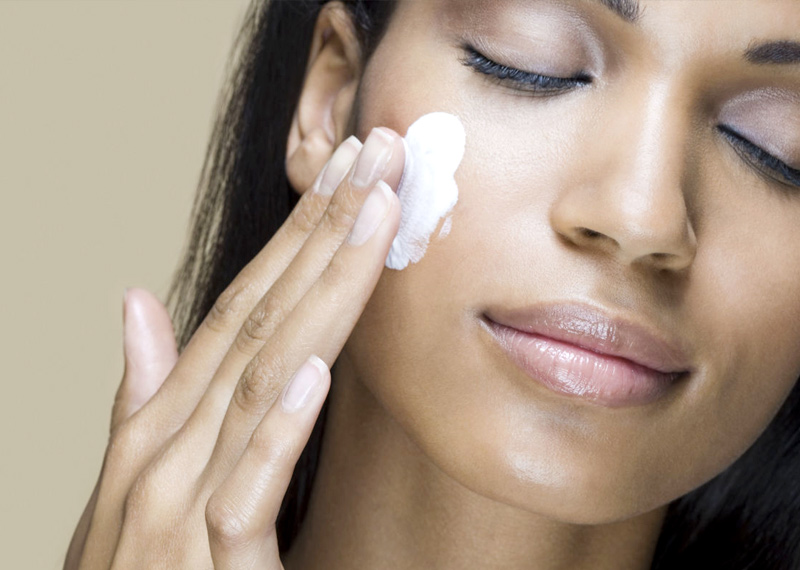 Moisturize and hydrate the skin