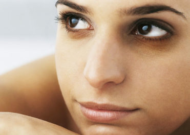 Home Remedies To Deal With Dark Circles Or Puffy Eyes