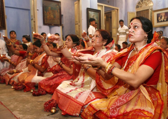 Traditional Attires Of Dussehra