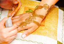 Memorable Mehendi Party At Home
