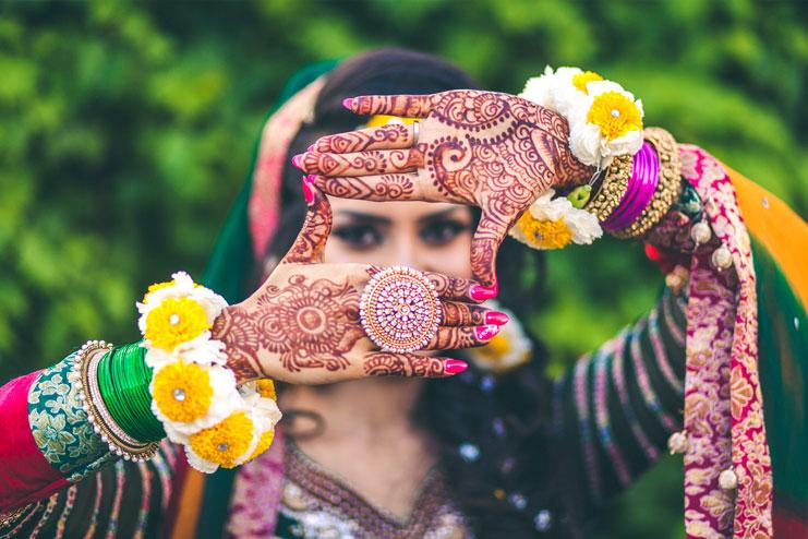 Mehndi Ceremony Description : How to look stylish for mehndi ceremony