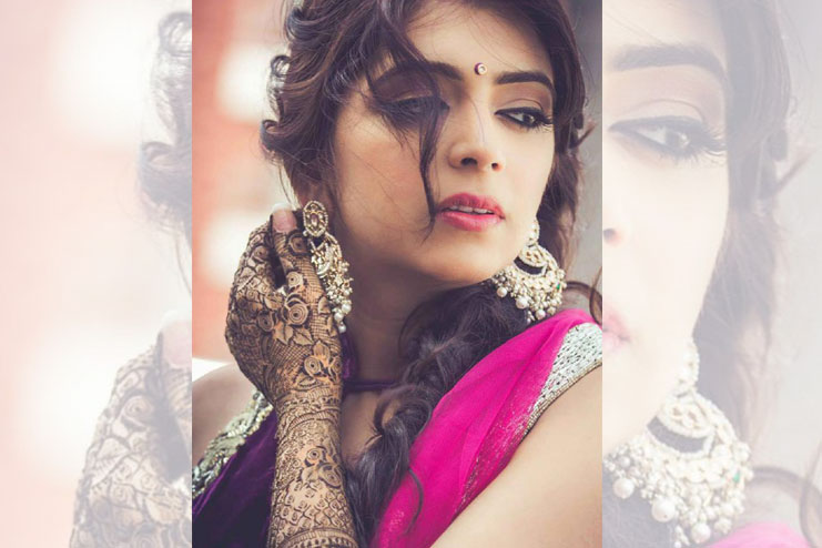 Mehndi Makeup And Hairstyle : How to look stylish for mehndi ceremony