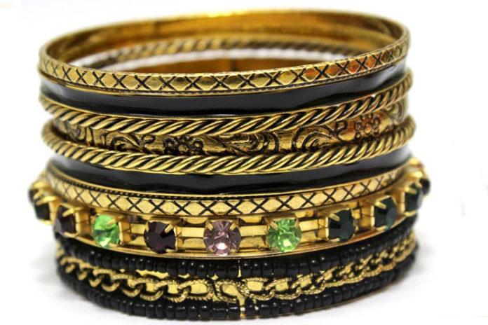 Black Indian gold bangle