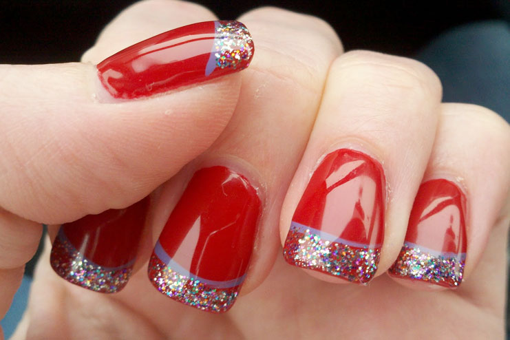 Apply vinegar for lasting nail polish