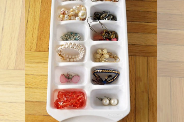 Ice cube tray for jewelry display