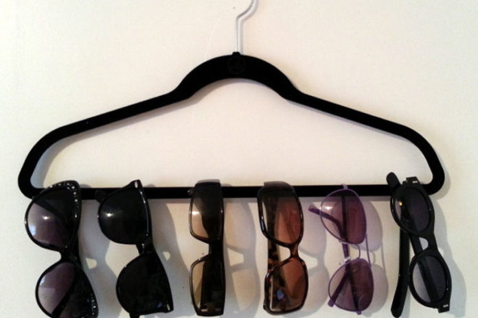 Hanger sunglasses display