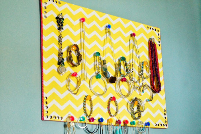 Jewelry corkboard