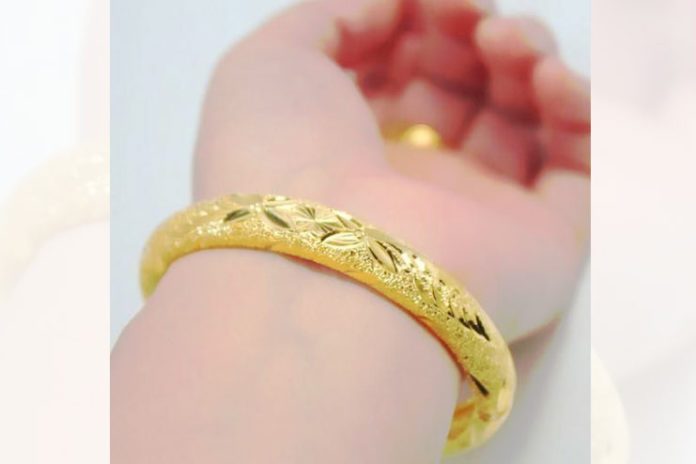 Gold Bangle with Wax Filling