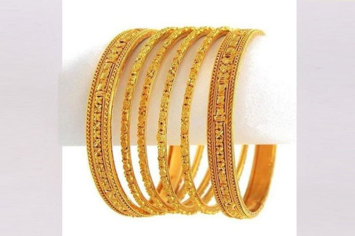 Gold Bangles with Cut Design