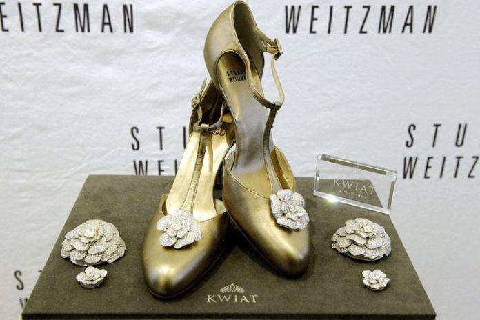 Stuart Weitzman Retro Rose Pumps