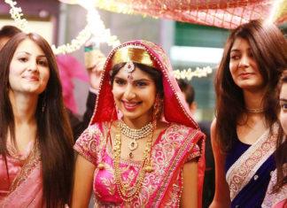 Bridal Wear Of Kashmiri Pandits
