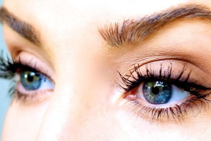 Grow Natural Eyelashes