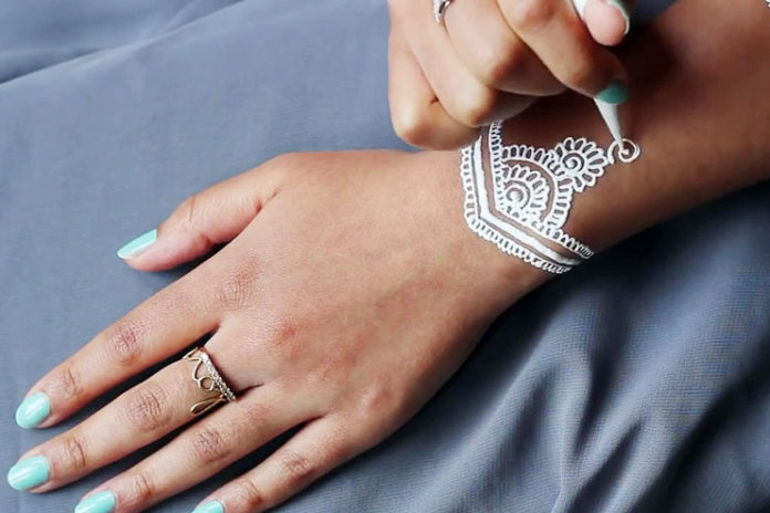 How to make DIY white henna