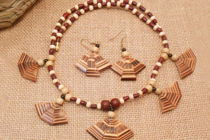 Bamboo jewelry set