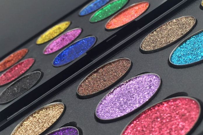 Use multiple colors of glitter shadow