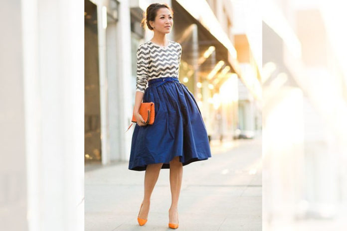 Blue midi skirts