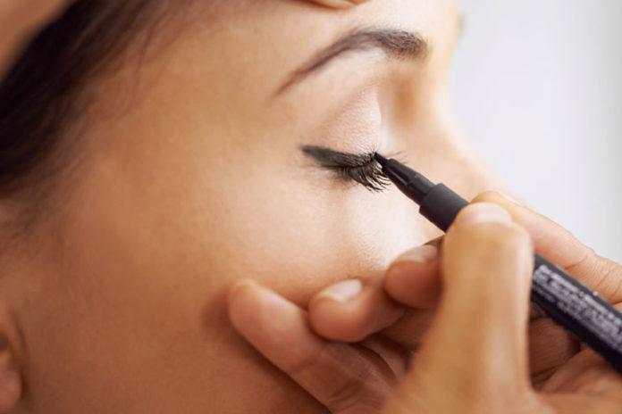 Shaky Eyeliner
