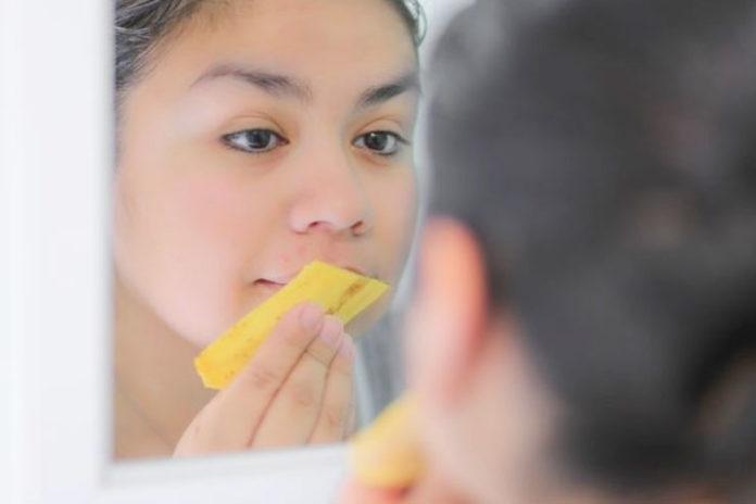 Banana skin scrub