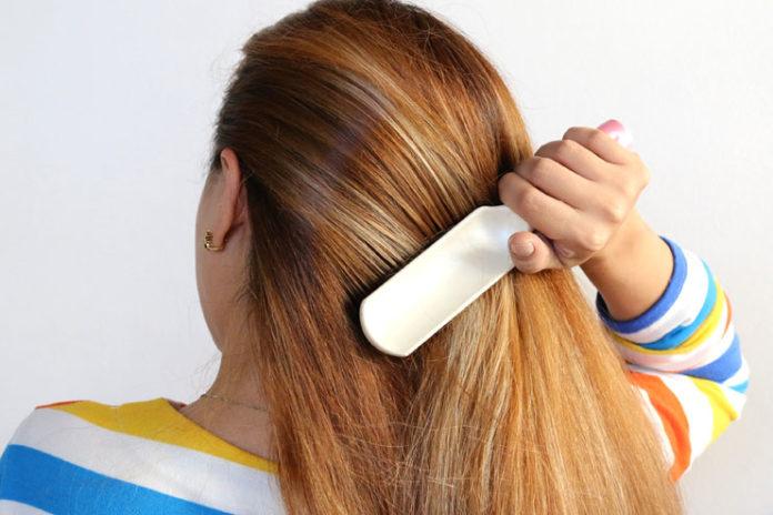 Detangles Your Hair