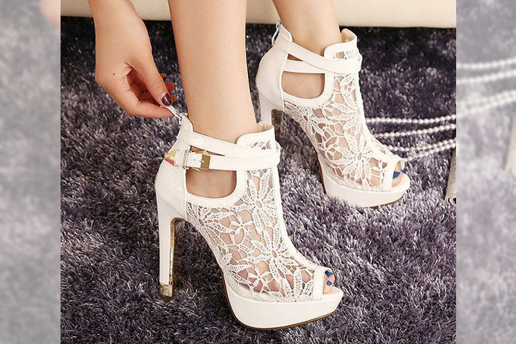 Peep Toe Shoes With Platform and Lace Design