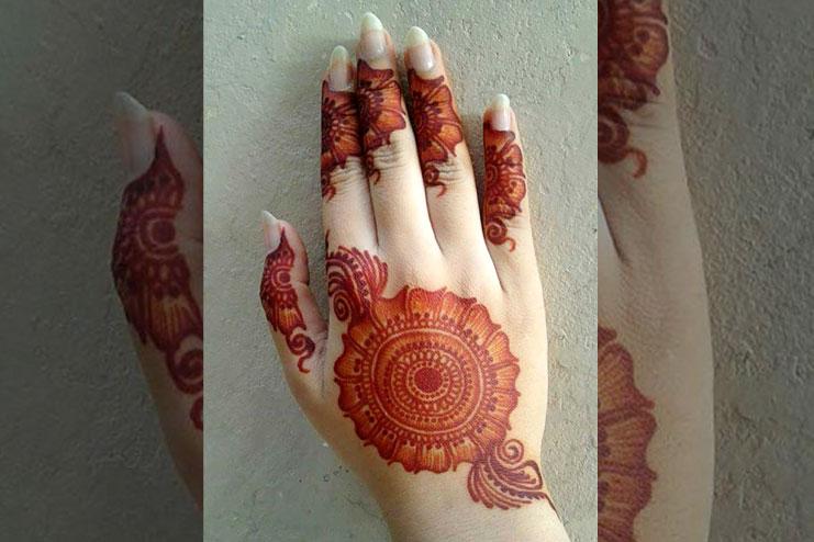 Spiral Kashmiri Mehndi Design