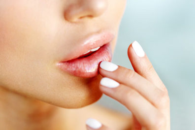 10 Tips To Keep Lips Soft, Smooth, Kissable Naturally Overnight At Home