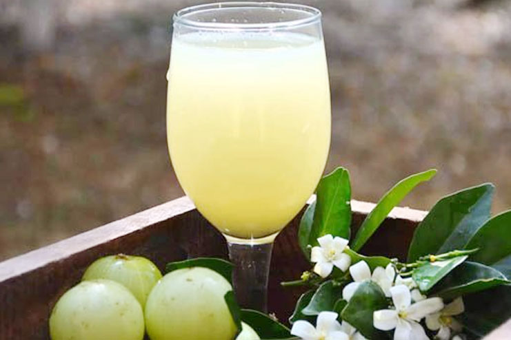 how to use amla juice for hair