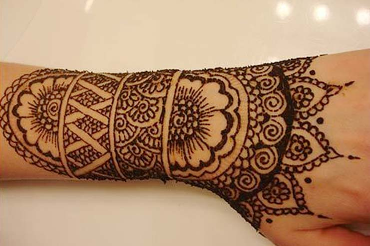 Different Patterned Arabic Mehndi Designs