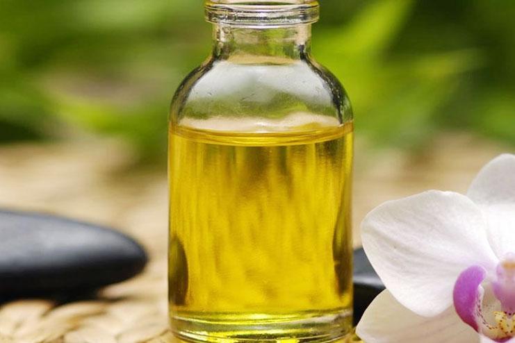 Castor Oil Eyebrows Side effects