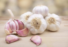 Beneficial Uses Of Garlic For Acne Scars