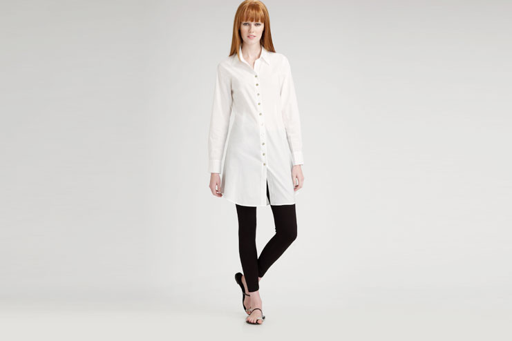 Long White Tunic Shirt With Black Leggings