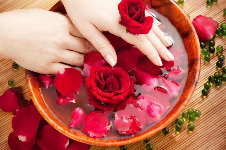 Multani mitti and rose water