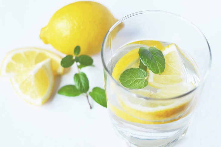 Hot water with lemon remedy