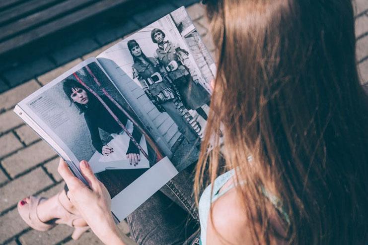 Read fashion magazine