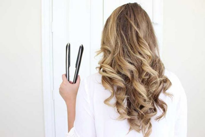 Curl-your-hair-with-straightener01