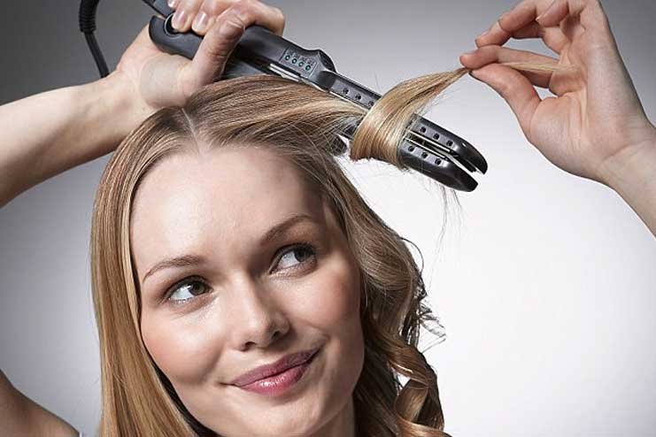 Curl-your-hair-with-straightener04