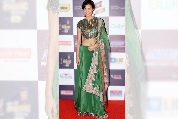 Esha Gupta-What to wear to a sangeet
