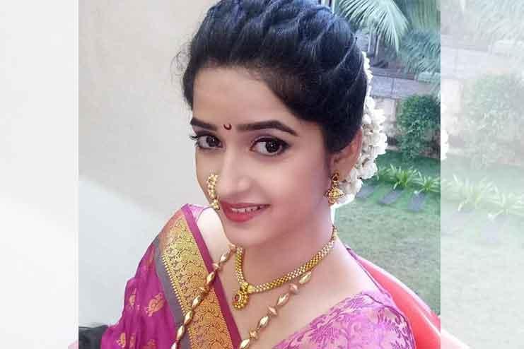 Maharashtrian-bridal-hairstyles04
